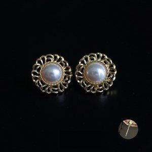 Vintage Pearl Rhinestone Earrings ✨✨